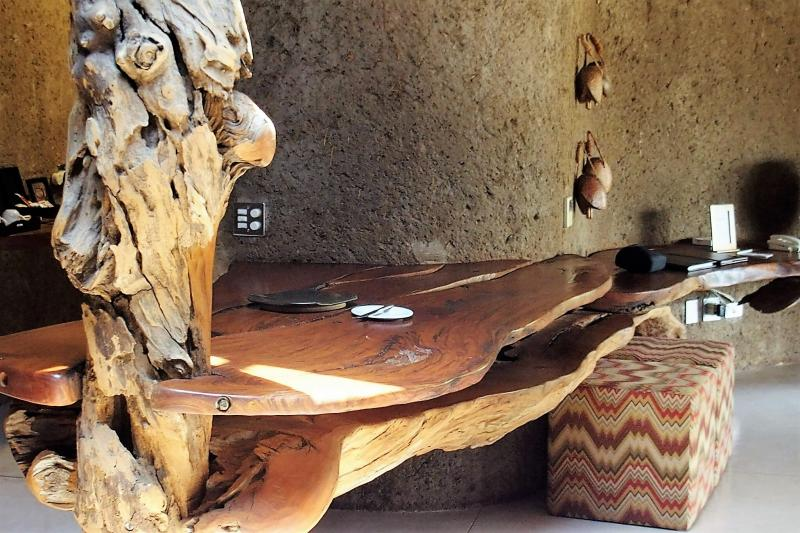 Sabi Sand Private Game Reserve HOTELサビサンド私営動物保護区 ホテルサビ サビ アース ロッジ(南アフリカ・サビサンド私営動物保護区)